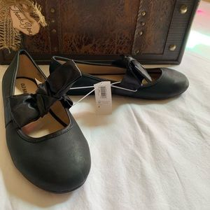 Old Navy NWT girls size 4 flats with satin bow